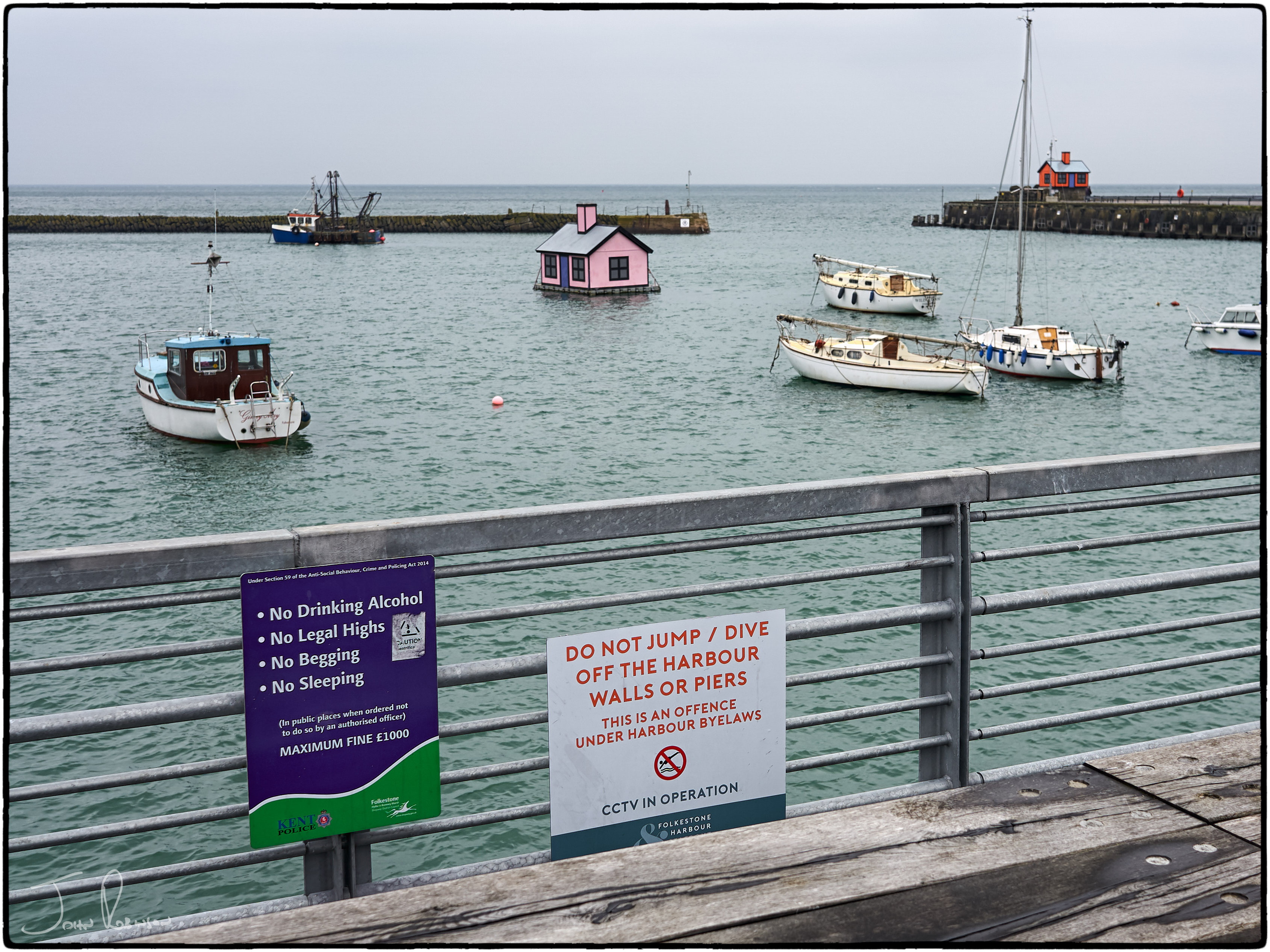 No fun in this harbour